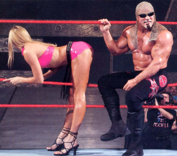 This image has an empty alt attribute; its file name is Stacy-Keibler-Getting-a-leg-up-so-to-speak-2.jpg