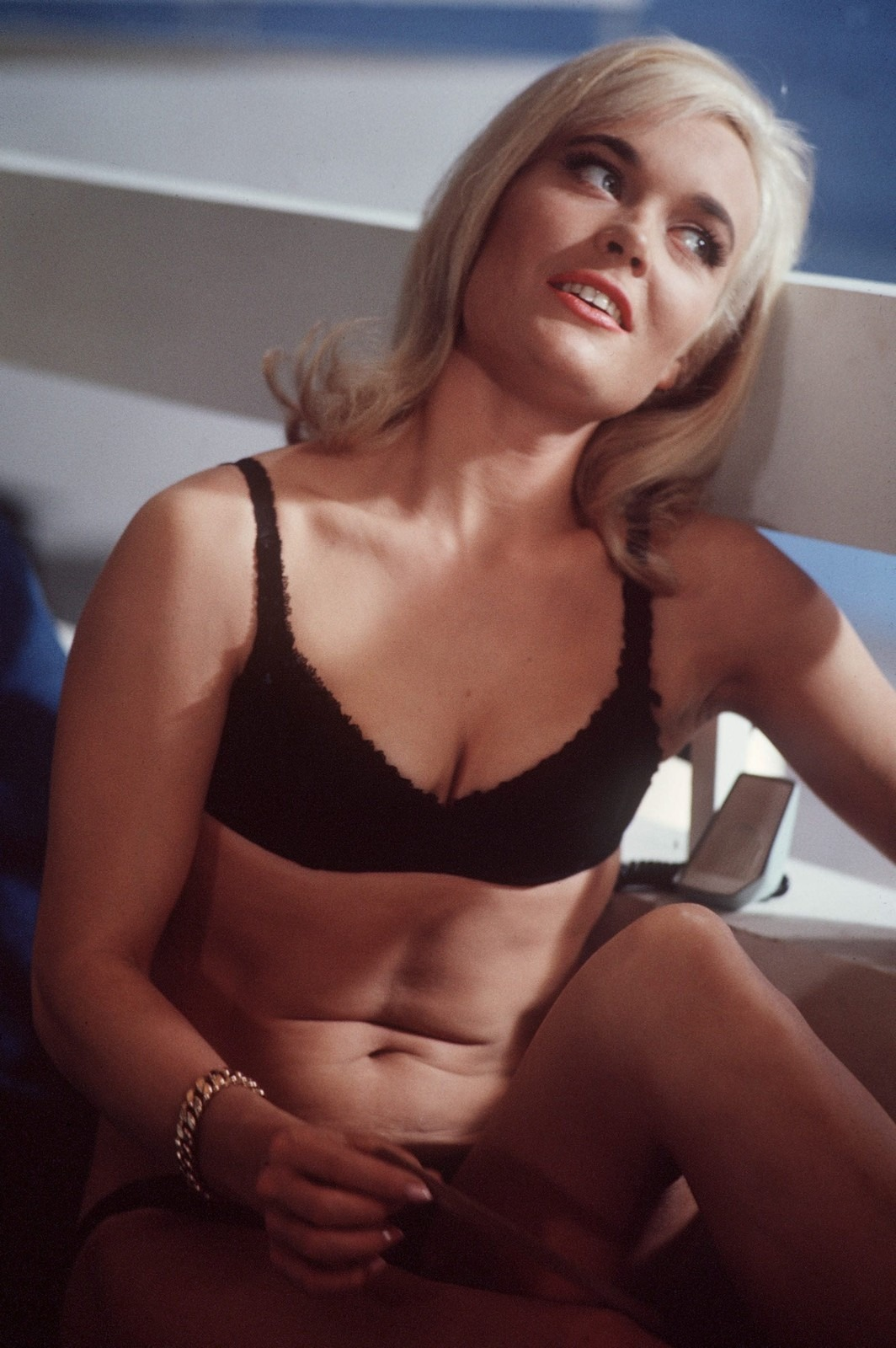 Shirley Eaton 8x10 Photo