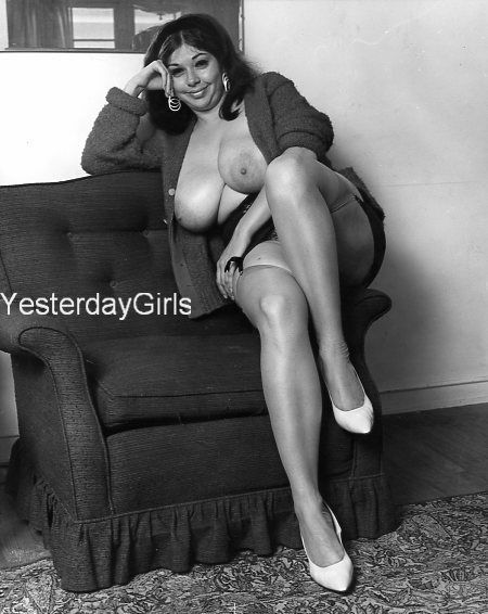 YGBB-282 BIG BOOK OF BREASTS PUBLISHED 1960'S B&W 8X10 BUSTY ELAINE GERSNER
