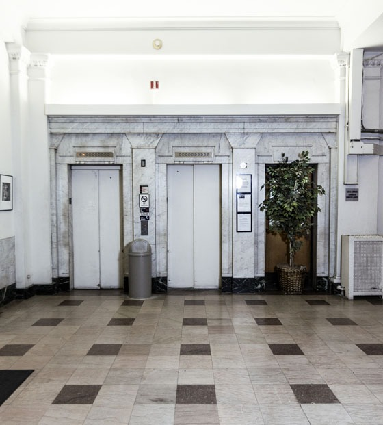 elevators in the lobby of The Mark Twain Hotel