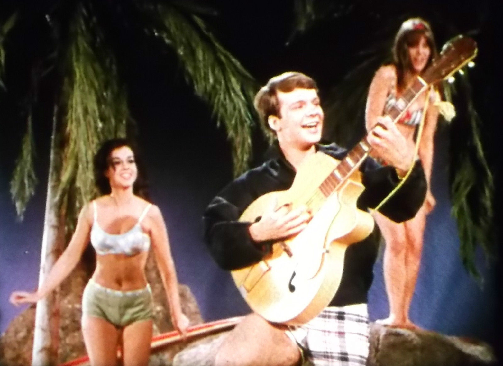 SCOPITONE FILM - THE NIGHT HAS A THOUSAND EYES - Bobby Vee - 16mm - 1960's #1