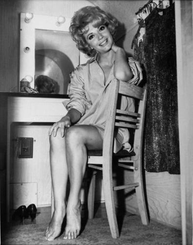 This image has an empty alt attribute; its file name is RUTA-LEE-LEGGY-IN-DRESSING-ROOM-BAREFOOT-8X10-PHOTO-33.jpg
