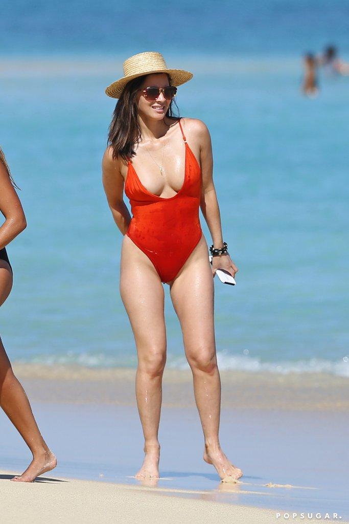 This image has an empty alt attribute; its file name is Olivia-Munns-One-Piece-Swimsuit-Plunges-Further-Than-You-Thought-Possible-1.jpg